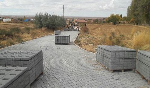 Köy yolları parke çalışması.